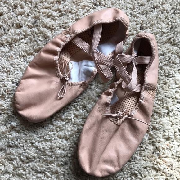 66474e31a216 Leo s Dancewear Shoes